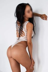 sensual massage with busty beauty in central london